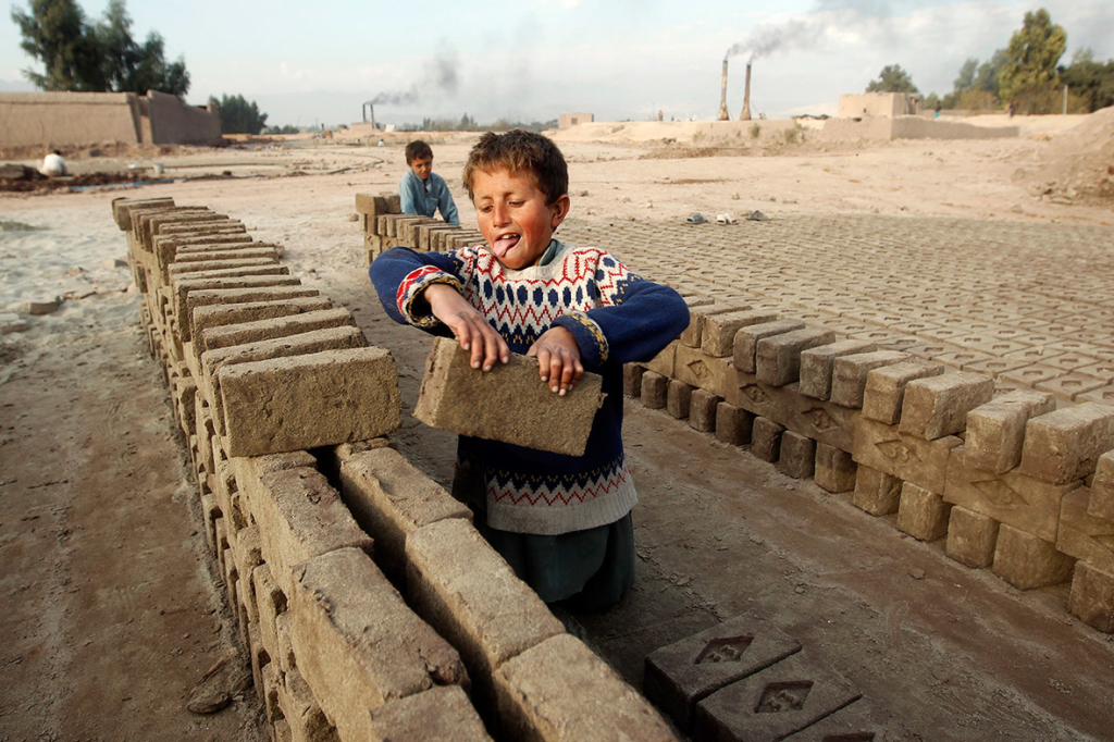child-labour-brick-factory-1024x682