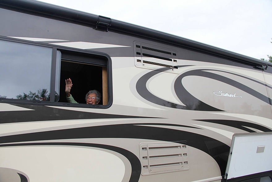 90-year-old-woman-road-trip-13
